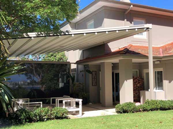 Retractable Pergola Roof & Side Screen