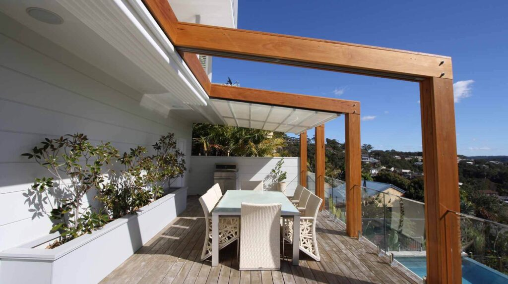 Retractable roof with timber