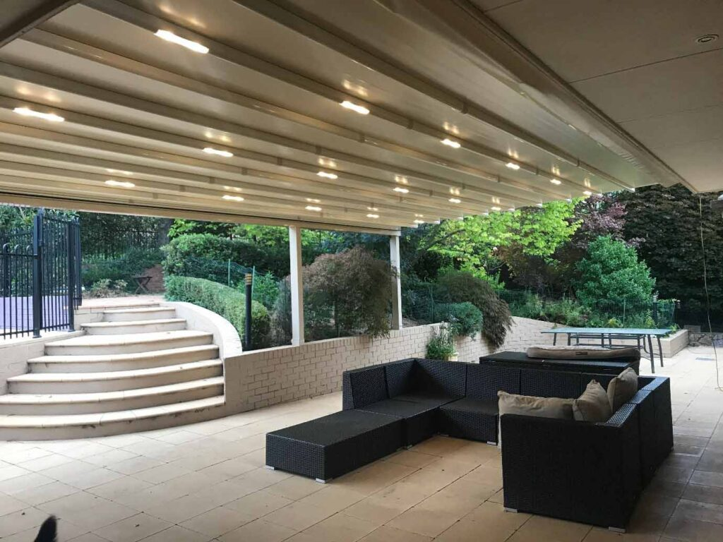 Retractable Roof System All Seasons with Lights