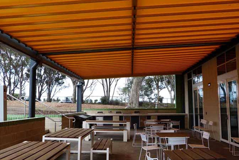 casetsudy commercial retractable roof systems victoria 2 Helioscreen