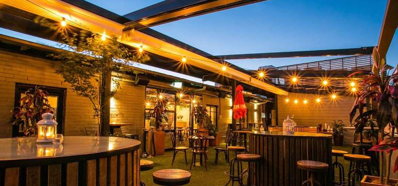casetsudy duxton retractable roof systems canberra 1 Helioscreen