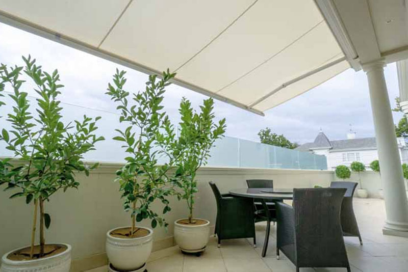 casetsudy residential retractable awning melbourne 2 Helioscreen