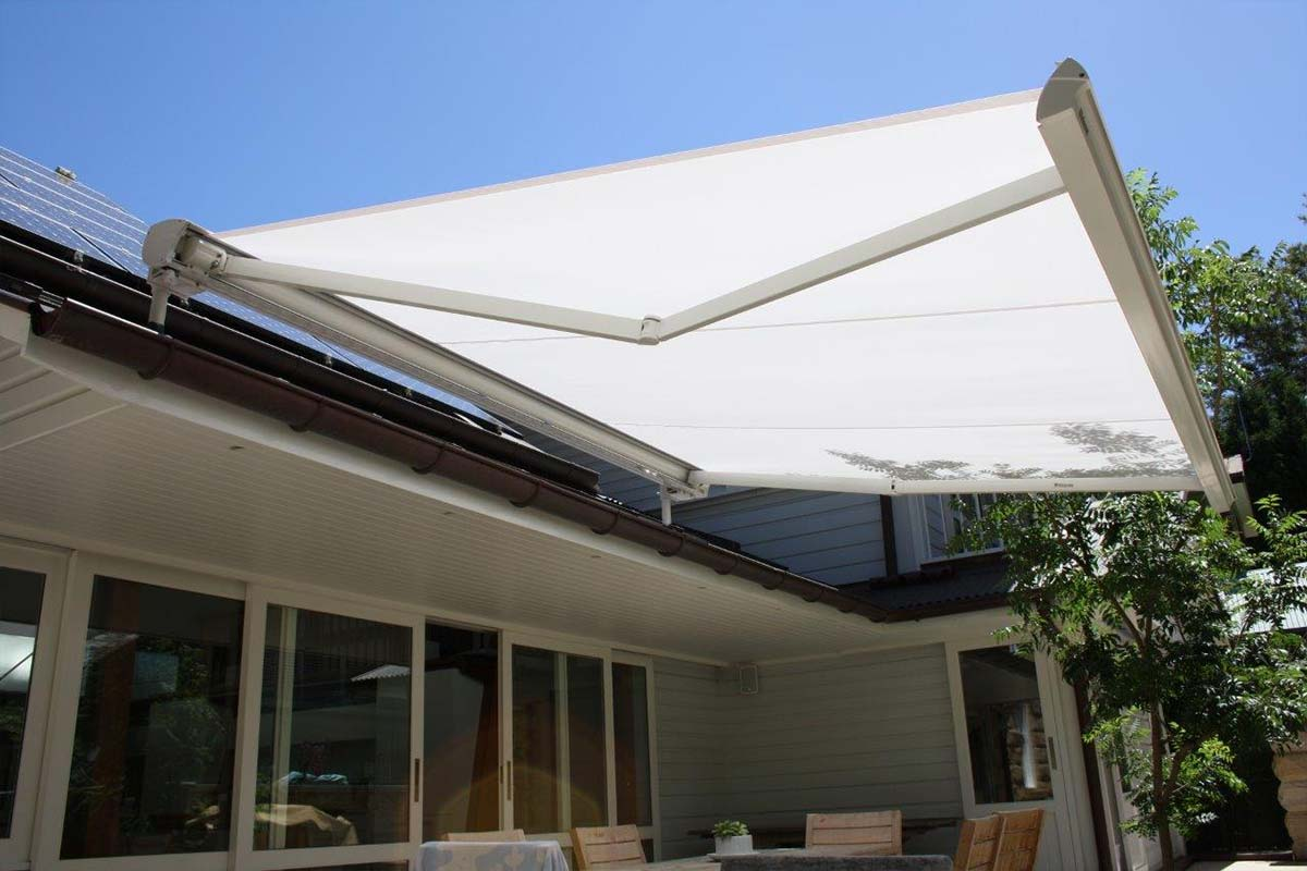 retractable awnings 10 Helioscreen