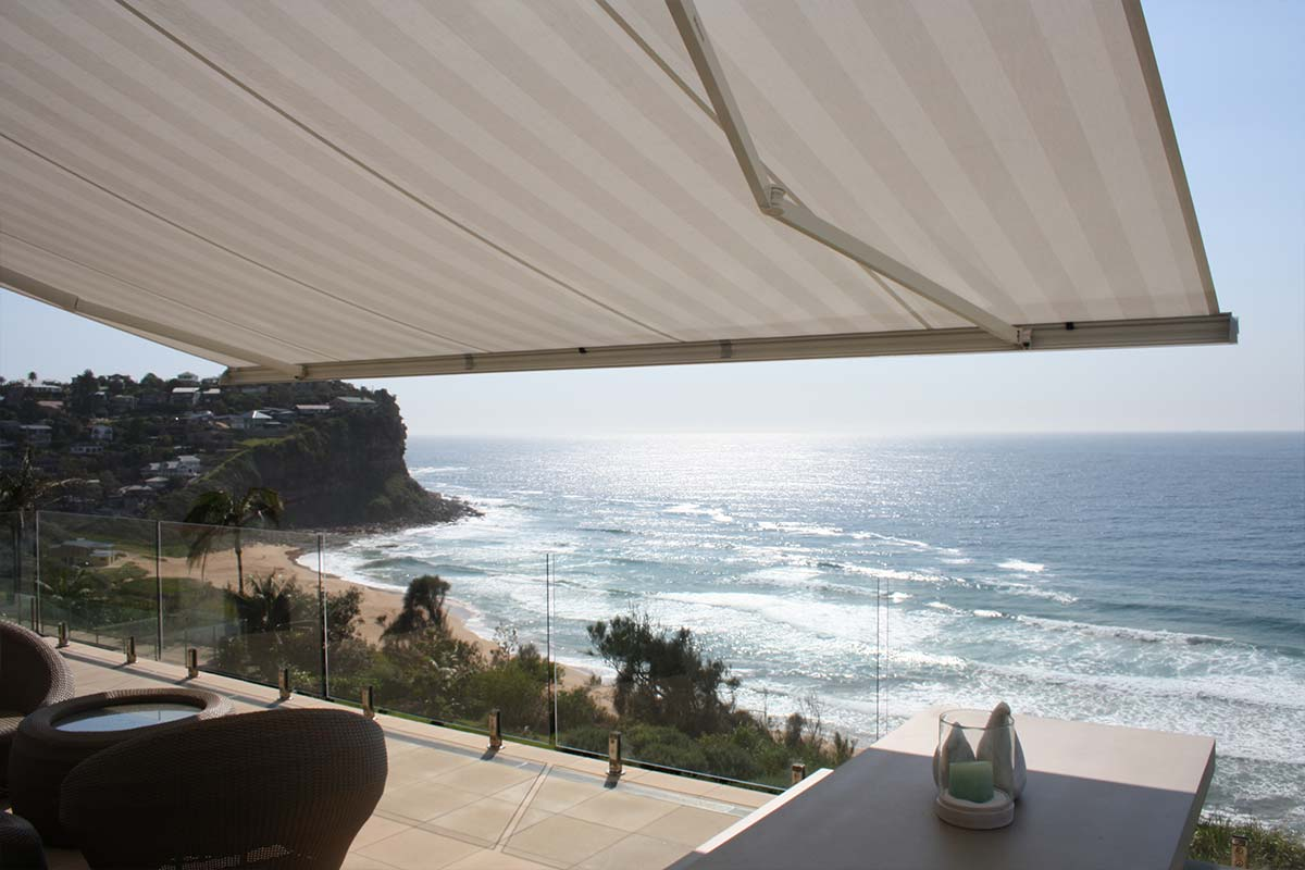 retractable awnings 11 Helioscreen