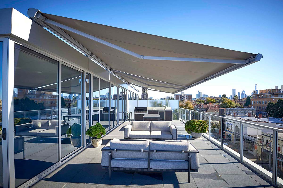 retractable awnings 9 Helioscreen